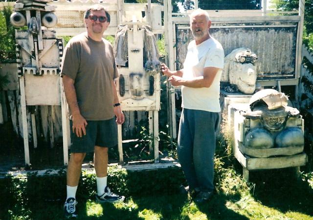 Second-hand Sid visits Rich Art in Centralia, Washington