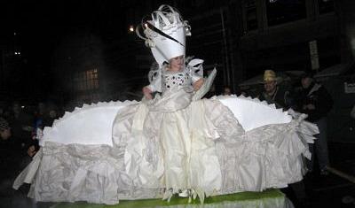 tollefson-plaza-ice-queen.jpg