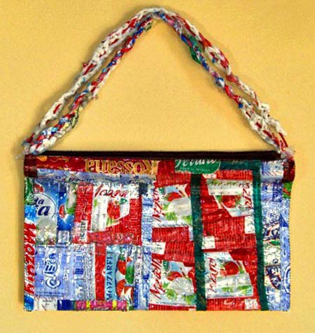 cynthias-purse-from-janet-coopers-virtual-museum-of-recycled-handbags.jpg