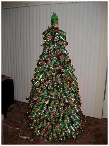 redneck-christmas-tree-photo-by-2mnedolz.jpg