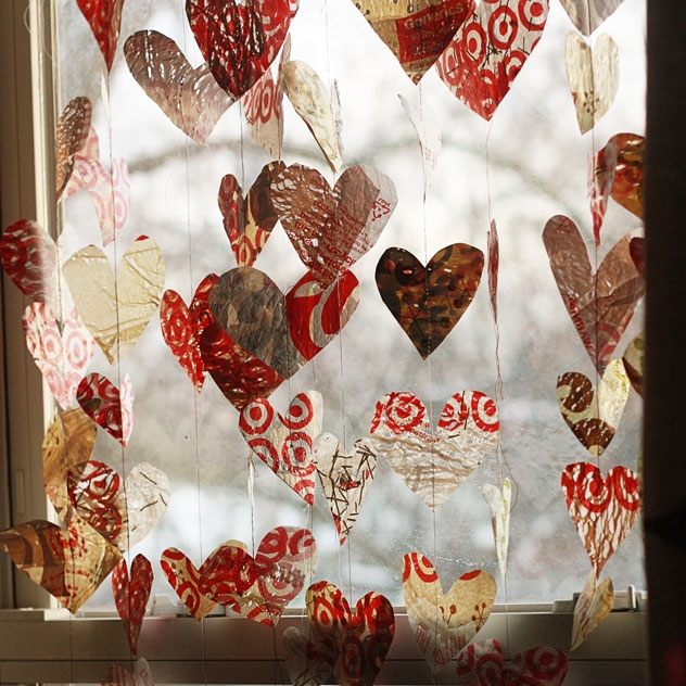 plastic bag heart garland via Aunt Peaches